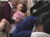 人妻熟女yourfilehost動画:【人妻動画】旦那が寝ている横でSEXする事も一つのの調味料として味わう巨乳妻