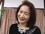 お色気ムンムン人妻熟女 : ◆優しそうな熟女が男2人に激しく責められる