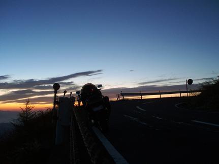 白根山夜明けTMAX