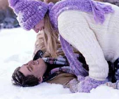 romantic-skiers1c.jpg