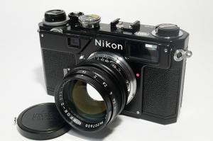 NIKON-1.jpg