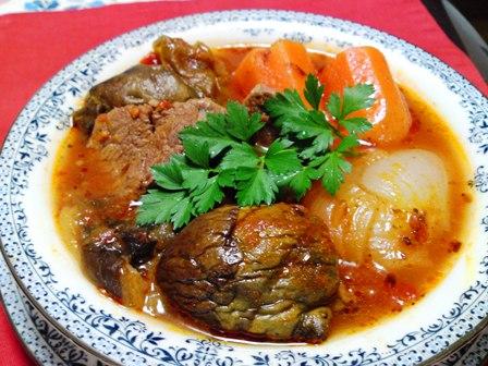 牛肉と野菜のトマト煮込み