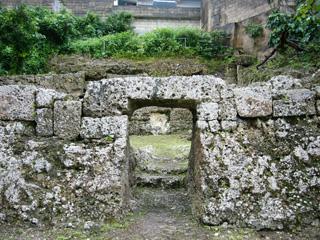 アントマ墓