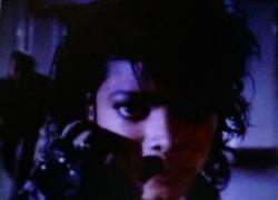 マイケルジャクソンの完全版ハレ晴れユカイ
