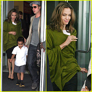 angelina-jolie-green-shawl.jpg