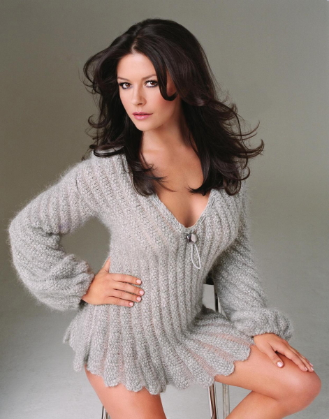 catherine-zeta-jones-boobs.jpg