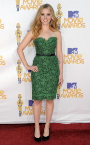 scarlett-johansson-mtv-movie-awards-2010-green-dress.jpg