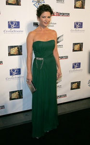 zeta_jones_catherine_2007_oct_green.jpg