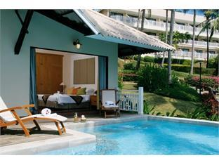 ケープ パンワ ホテル (Cape Panwa Hotel)