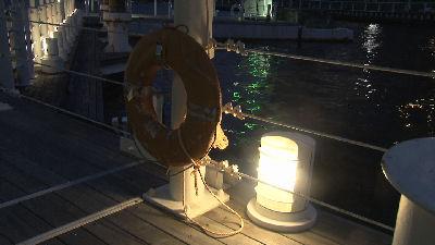 浮輪と明かり