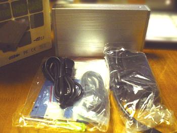 『外付けHDD簡単DIYキット3.5インチハードディスク外付けケース』の中身