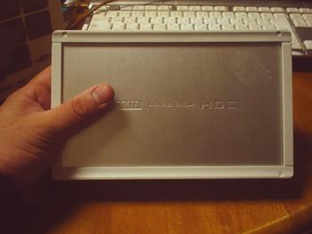 購入当初から調子が悪く、その後2ケ月程度で御臨終召されたI/Oデータ製の外付けHDD『HDC-U300』