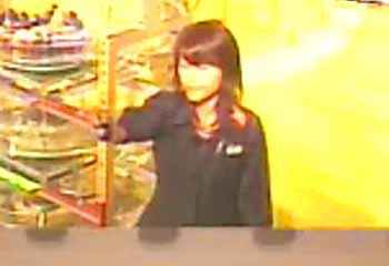 第315回(2006年11月2日)ロト6抽選結果・抽選嬢/(C)宝くじドリームステーション