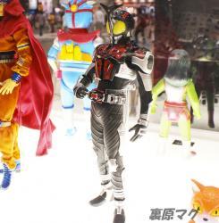 リアルアクションヒーローズ No.558RAH DX 仮面ライダーダークカブト(ライダーフォーム) Ver.2.0