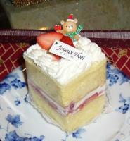 ルージュブランシュのケーキです