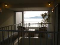 廊下の途中には 浜名湖が見える場所が