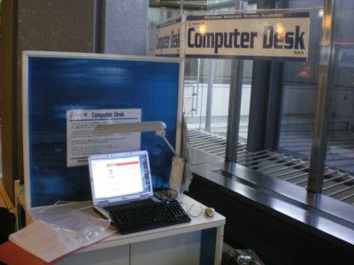 070915_NRT_computerdesk_w400.jpg