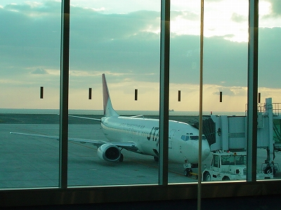 新北九州空港のJTA機