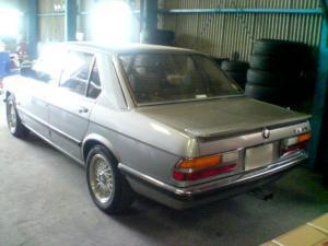 BMW520i-2