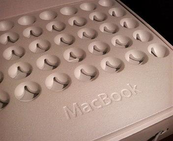 MacBookの梱包用発泡スチロール