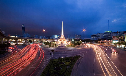 constitution.monument.jpg