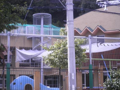 幼稚園かんれいしゃ 002低