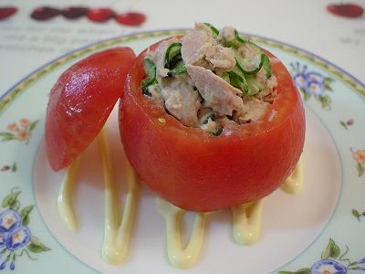 トマトの詰め物サラダ