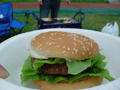 BBQでハンバーガー