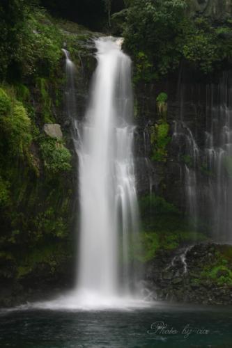 白糸の滝縦01