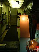 「ワークルーム」のあるビルの入口